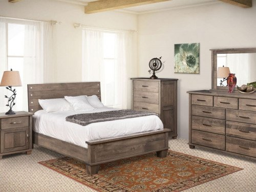Monarch 5pc Amish Bedroom Set